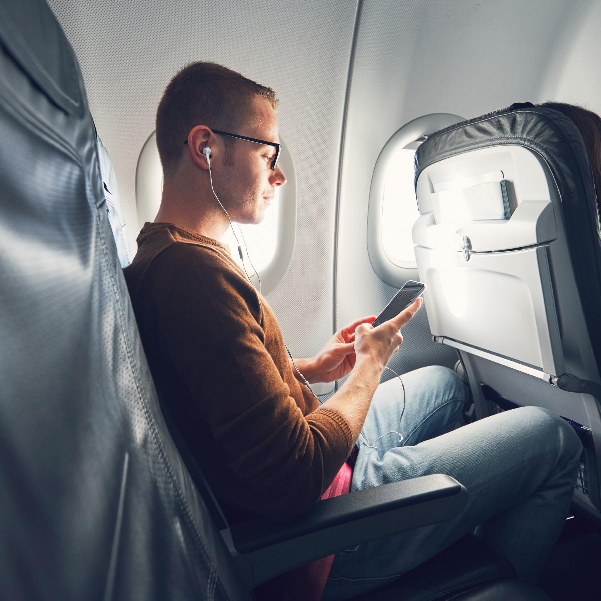 How long is this flight going to take? - Wie lange wird dieser Flug dauern?
