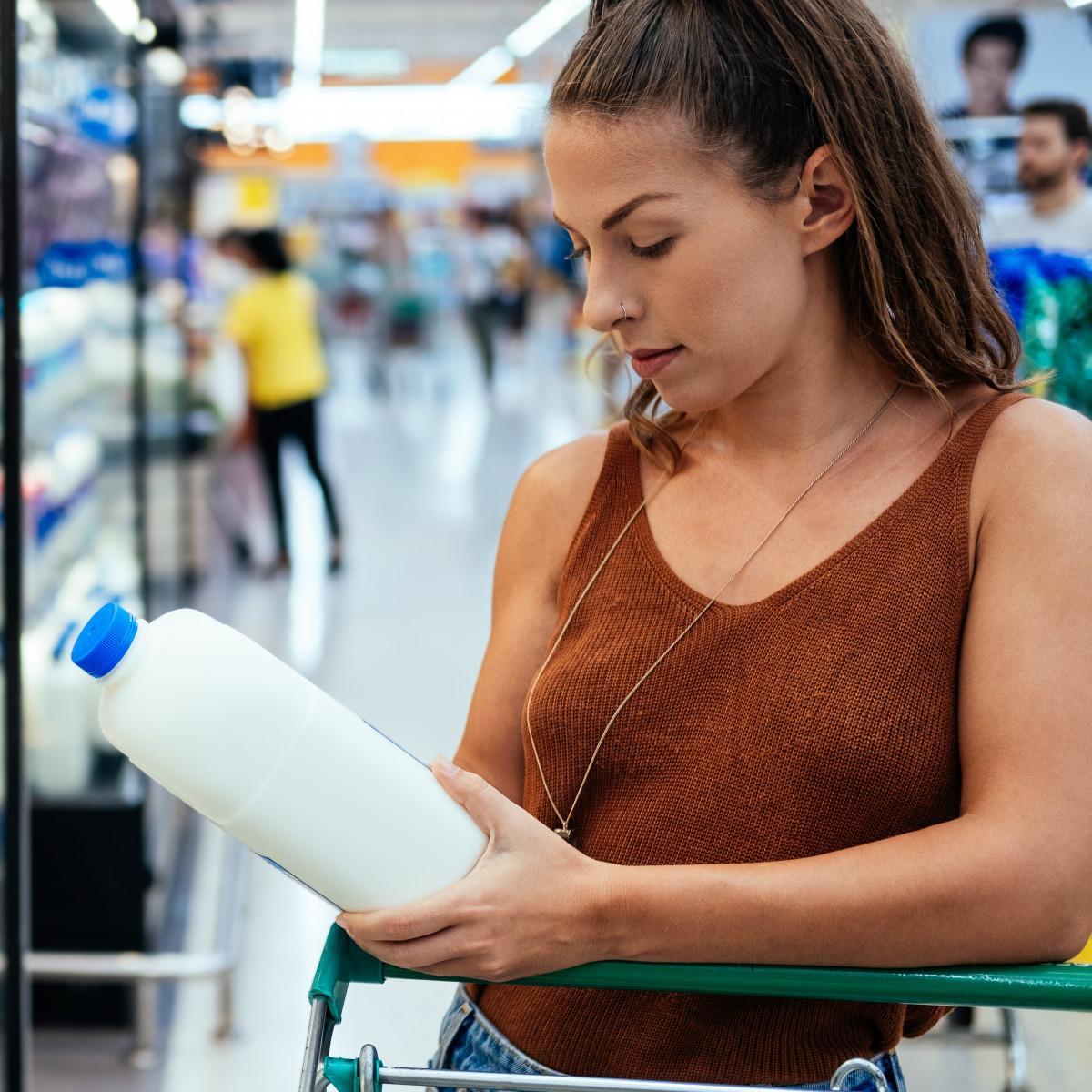How much is a bottle of milk? - Wieviel kostet eine Flasche Milch?